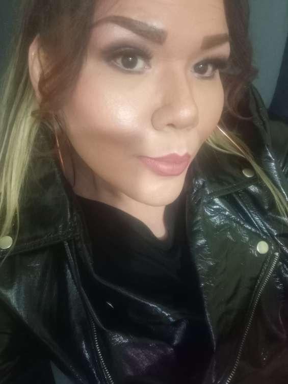 Maquillaje y transformación para travestis de closet